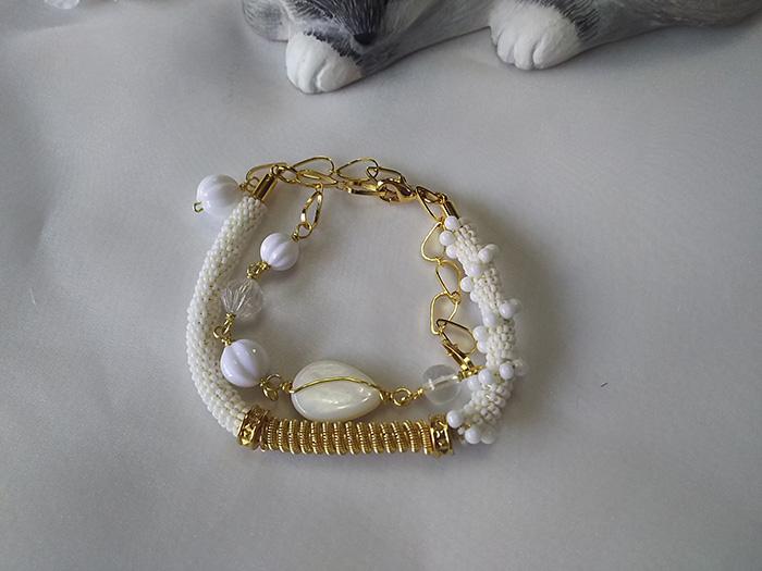 白のブレス