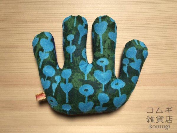 画像1: 拘縮予防てのひら保護の「ニギニギ」【青ハート柄】  (1)