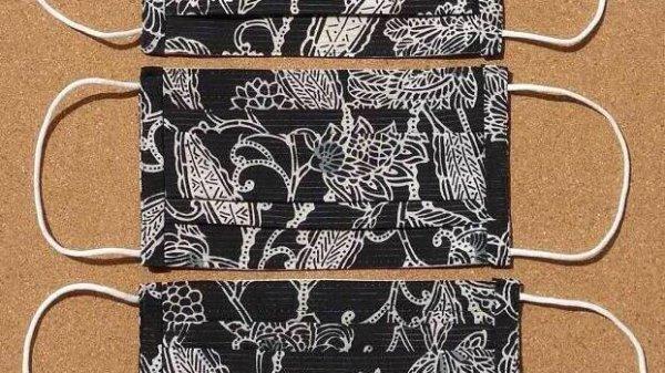 画像1: 絹マスク 絽/正絹<黒×オリエンタル柄> (1)