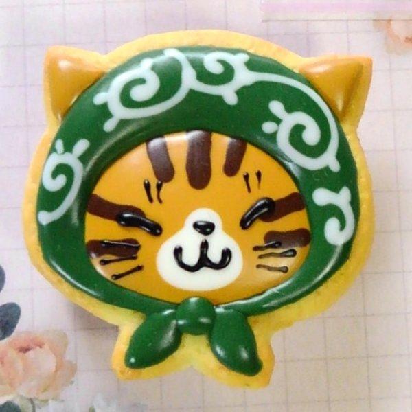 画像1: 耳つきほっかむり猫マグネット【めつむりキジトラ】 (1)